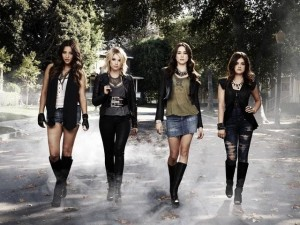 Pretty Little Liars se asegura la quinta temporada y anuncia spin-off