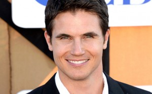 Robbie Amell ficha por The Flash