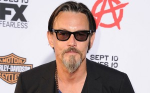 Tommy Flanagan de Sons of Anarchy ficha por Revenge