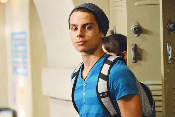 Jake T. Austin anuncia que deja The Fosters 1