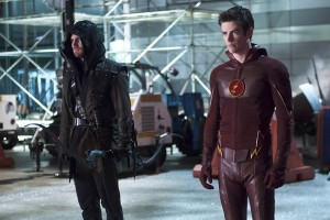 The Flash y Arrow promocionan su vuelta con música electrónica