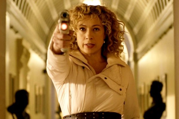 Alex Kingston volverá como River Song en el próximo especial navideño de Doctor Who 1
